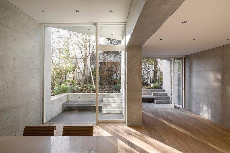architectuur-uit-Japan-met-glas-en-beton